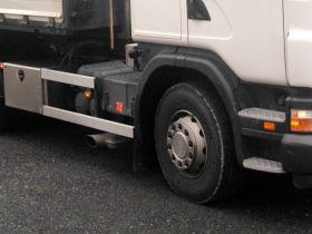 Service av lastbilar och andra entreprenadfordon.